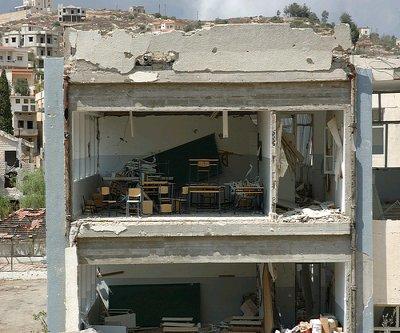 Zerstörte Schule in Bint Jbeil