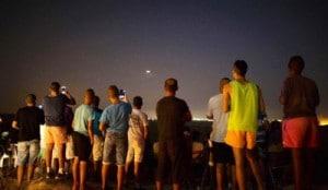 Israelis gucken Gaza-Beschuss