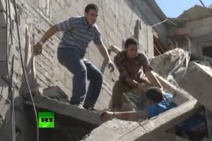 Palästinenser in Trümmern eingequetscht